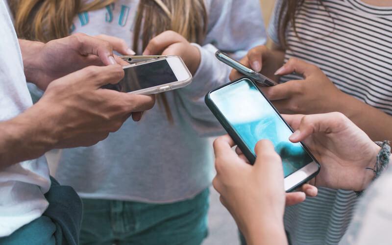 Comunicação entre alunos e escola