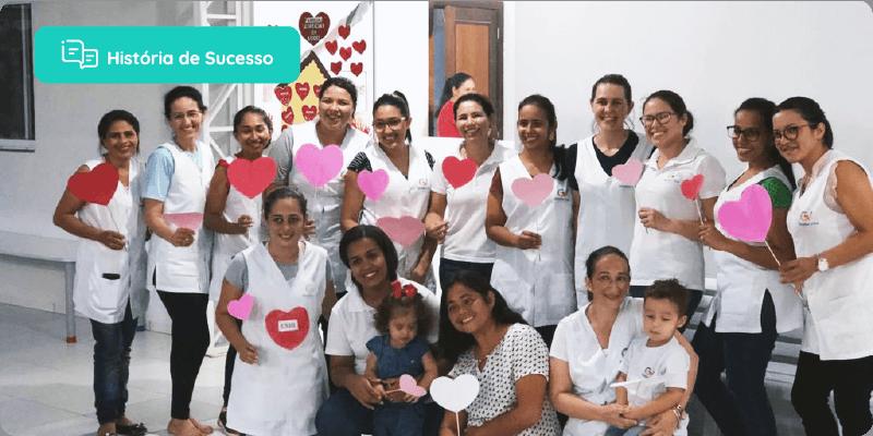 crianças e professoras da escola Gradus Vita juntos
